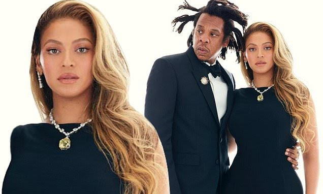 Beyonce Spotted Wearing $30M Diamond Necklace Posing With Jay-Z Images Go Viral