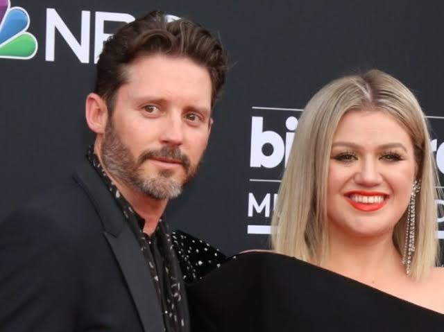 Kelly Clarkson is Struggling Even More Than Before Amid Nasty Divorce, Says Report